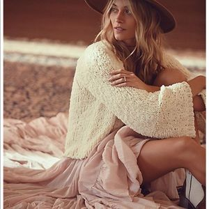 Free People Bell sleeve sweater 🌙NEW 🌙